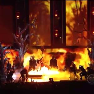 katy-perry-juicy-j-perform-dark-horse-at-the-2014-grammy-awards-video